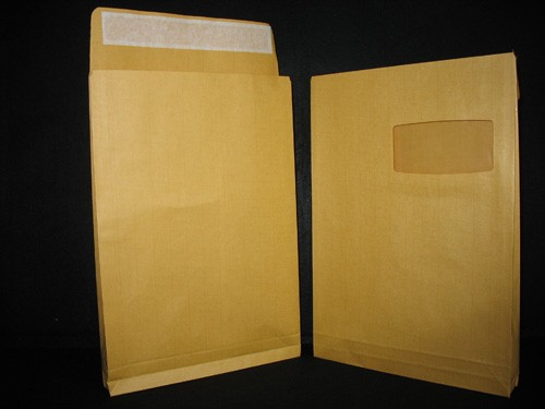 Sacs à soufflets C4-229X324x30 Kraft brun 120g Fenêtre 100X50